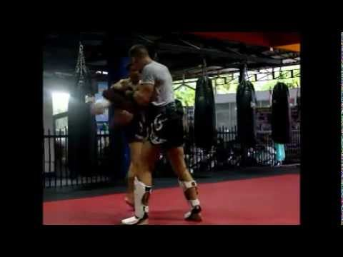 San Kantapia hitting Muay Thai Pads at Patong Stadium Gym. (www.patongstadumgym.com)