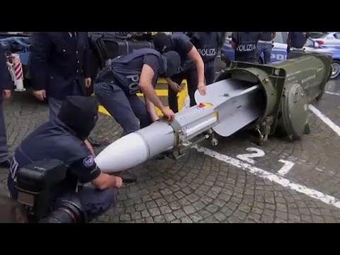 يورو نيوز:الشرطة الإيطالية تضبط أسلحة بينها صاروخ جو ـ جو بحوزة يمينيين متطرفين…