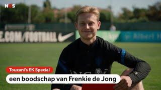 Frenkie de Jong over eerste keer in kleedkamer bij FC Barcelona | Touzani's EK Special