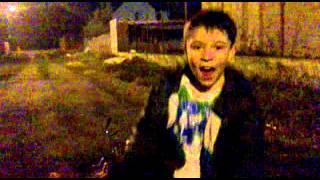 супер красный макасин(Видео извесной песни КРАСНЫЙ МАКАСИН., 2013-04-30T18:44:44.000Z)