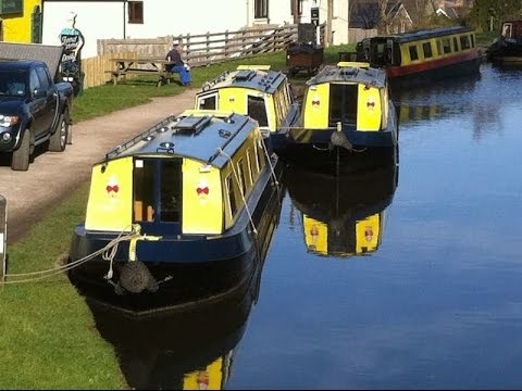 Road House Narrowboats on the Mon and Brec Canal