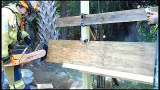 The EXTRACTOR Rescue Blade™ - Cutting Plywood and Wood (2x4)