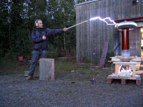 Playing with tesla coil