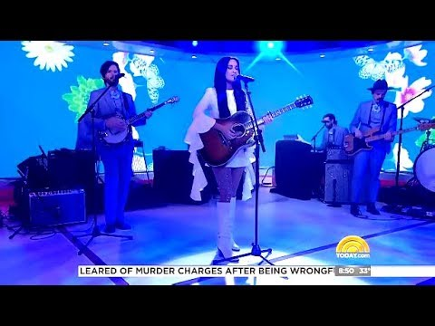 "Kacey Musgraves Performs  ""Butterflies""  (Live Today Show)"