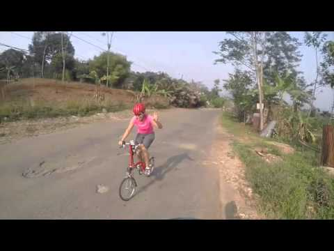 Brompton riders Indonesia goes to Km0 sentul ( max elev