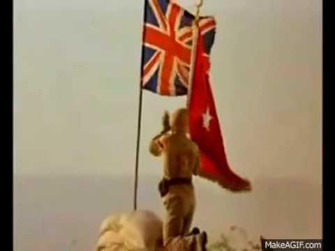 Türk Bayrağını Diken Asker!