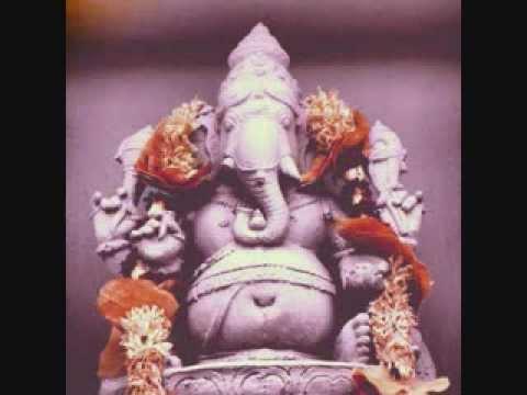 ♫ Maha Ganapathim ♫ Fusion Rendered by Karthik ♫ Ganesh Temple Gopuram Flushing, NY