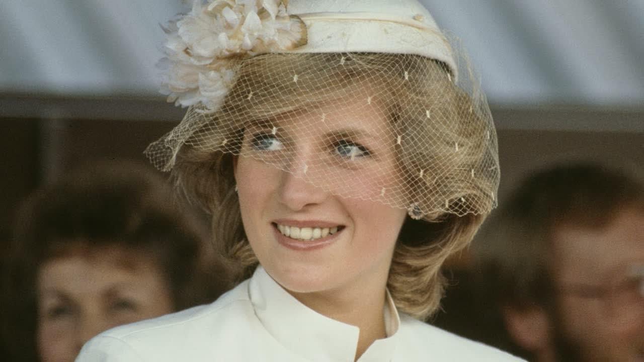 Princess Diana's Brother Flies Flag at Half-mast on Anniversary of ...