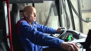 Waschstraße XXL: So werden Busse auf Hochglanz gebracht