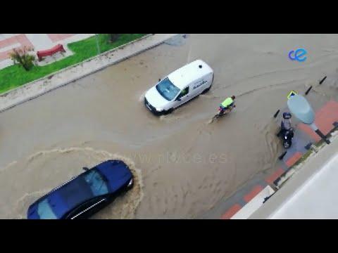 Las intensas de precipitaciones ha provocado inundaciones y problemas, en varios puntos de la ciudad