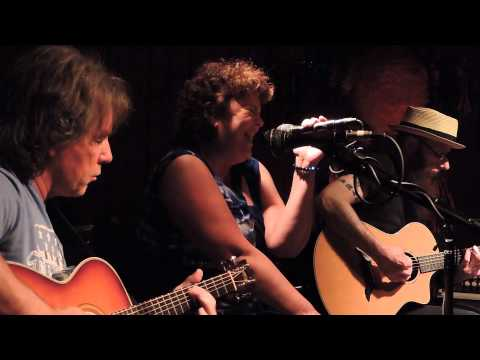 Summertime with Jessica Shepherd at the Saxon Pub