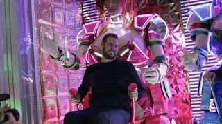 Inside Tokyo's Bizarre Robot Restaurant