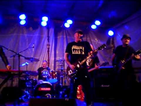 Psychotic Youth - Fire of Love  (live @ Eksjö Stadsfest)