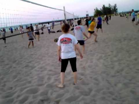 YouTubeVideo 6 - Beach volleyball in Chicago