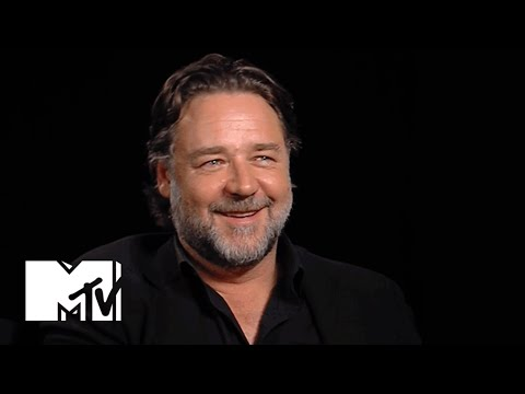 Russell Crowe On Returning To The DC Universe As Jor-El | MTV News