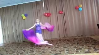 Танец на день матери в школе.