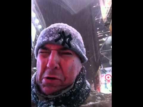 Nevaba en Times Square hace un año, ¿donde hay un Starbucks?