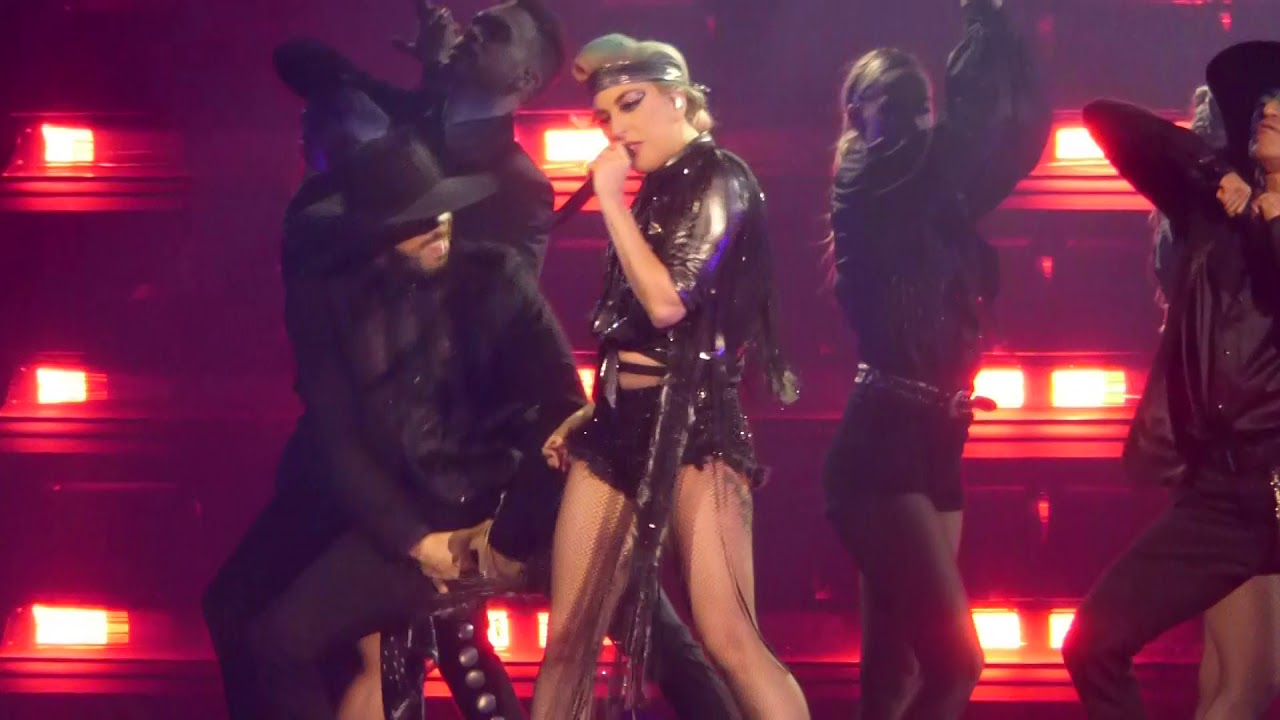 Lady Gaga -Poker Face Live Mediolanum Forum Assago Milano ...