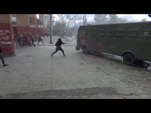 Clashes during anniversary of military coup in Chile