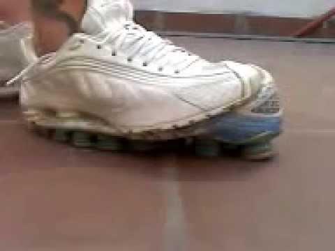 Nike Shox R4 White! TL3 Dead  O) - YouTube 46c4415f5