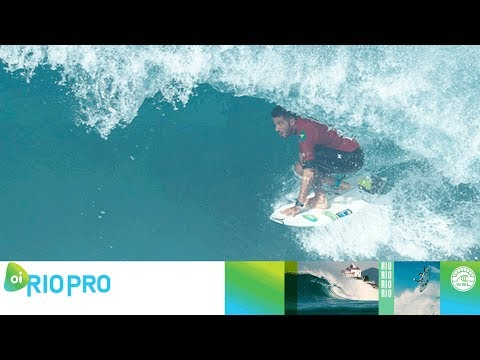 A Near Perfect Tube from Filipe Toledo on this 9.93 Ride in the Final - Oi Rio Pro 2018