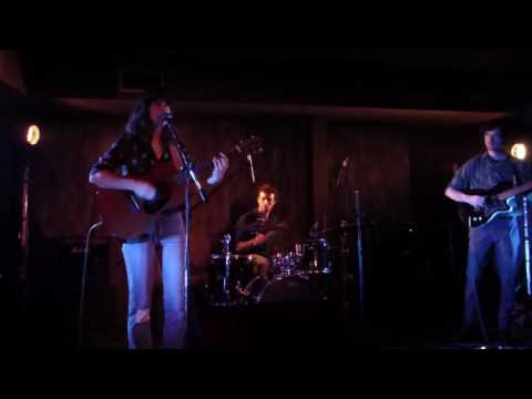 Eleanor Friedberger - Sweetest Girl (live in Athens @ Death Disco)