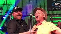 Chris Young and Comedian Bill Murray Sing 2018