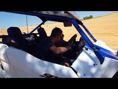 Teaching my 8 year old how to drive a Yxz 1000r at Little Sahara Oklahoma