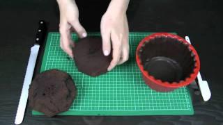 How to Make a Giant Cupcake - Basics 3: Carving, layering, crumb coating and stacking