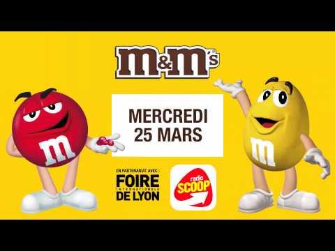Foire de Lyon - Rouge et jaune de M&M's sur le stand Radio SCOOP - 25/03/2015