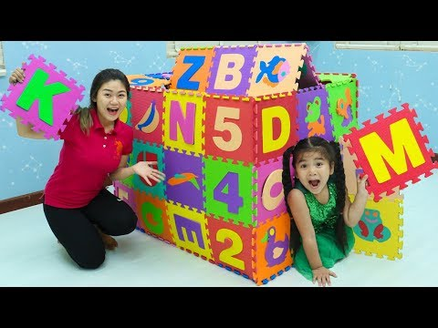 Suri Plays With A Giant DIY Playmat Colored Playhouse Toys For Children