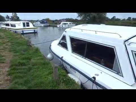 Norfolk Broads - Blue Diamond (Ludham Bridge Boatyard)