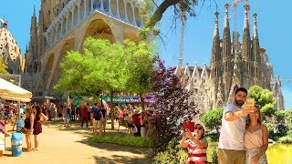 Barcelona Walk - Sagrada Família (Famous Gaudí-designed Gothic Church) - Spain