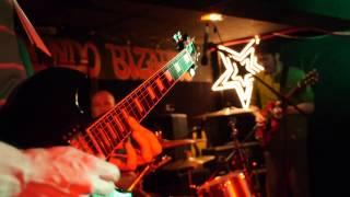 "STNNNG ""Grand Island, Neb"" Live @ Mondo Bizarro Rennes 24/02/2014 (Kfuel Show)"