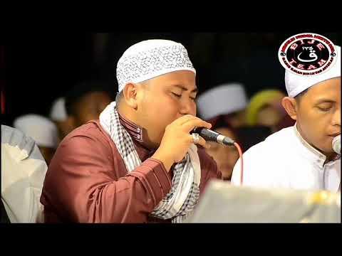 (Ustadz Jamal) qosidah Ya Habibah Qolby di Tugu Proklamasi