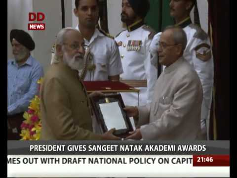 President gives Sangeet Natak Akademi Awards