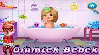 Tatlı Bebek Banyoda Bıcı Bıcı Yapıyor Örümcek Bebek Oyun Videoları
