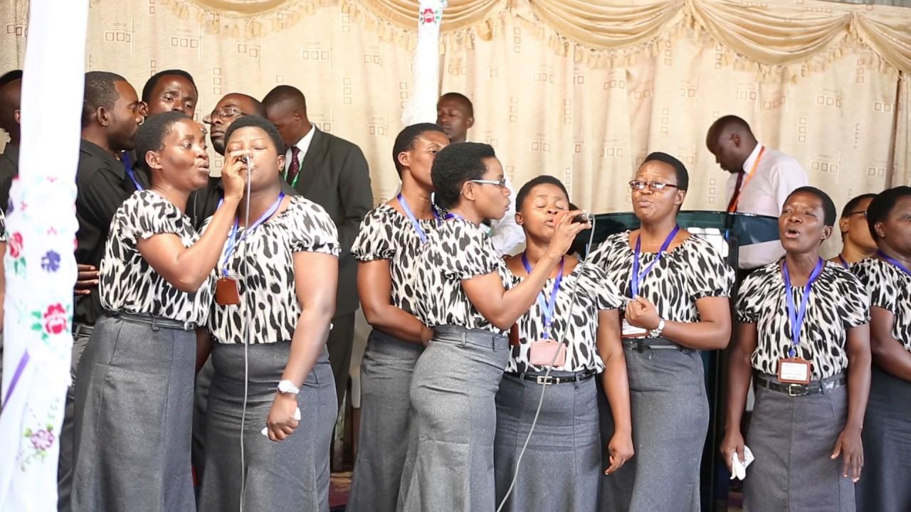 Download Kurasini SDA Choir - LIVE PERFORMANCE 02 Nasikia kilio cha mungu and Tazama upendo wa mwokozi Yesu