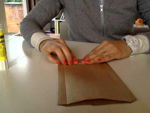 Como hacer bolsas en papel para sorpresas de cumplea os o - Hacer bolsas de papel en casa ...