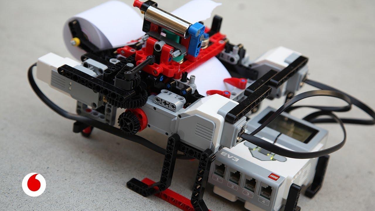 El niño de 12 años que fabricó una impresora Braille con piezas de Lego