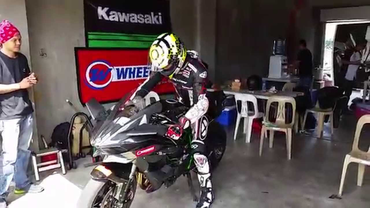 Inside Racing 2015 Kawasaki Ninja H2r Phil Track Test Hits 300kph