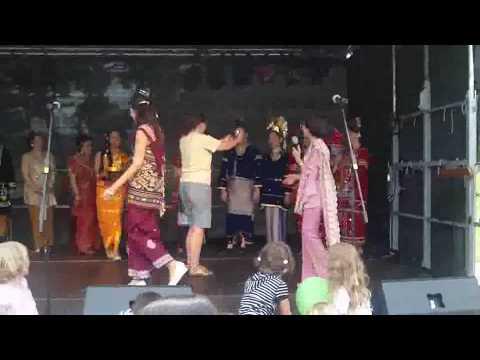 Trachtenshow di Leonbergerfest  050709   # 2/2 (Indonesian Stars)
