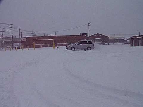 Honda Pilot throwing some snow  WOOOOT  Gotta do the donuts baby :D