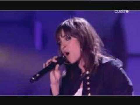 """Leire canta """"Me voy"""" en Factor X"""