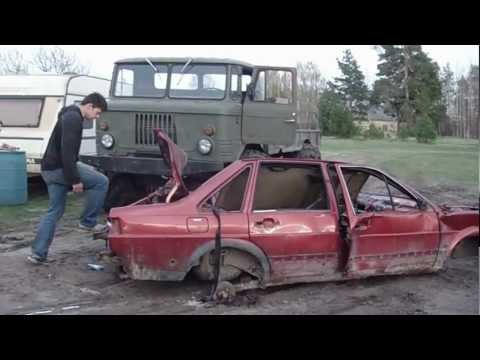 Gaz 66 compresses a car!!!