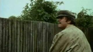 Monty Python FC 8. - A szatír (The flasher)