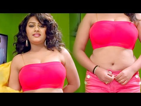 तु बॉडी खोल के दिखावा ना | Changing Of Dress | Bhojpuri Hot Uncut Scene From Bhojpuri Movie