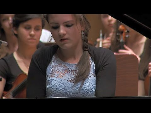 George Gershwin - Rhapsody in Blue, ラプソディ・イン・ブルー Maja Babyszka (15 years old) - piano