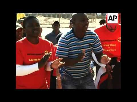 Workers strike in car plant in Pretoria