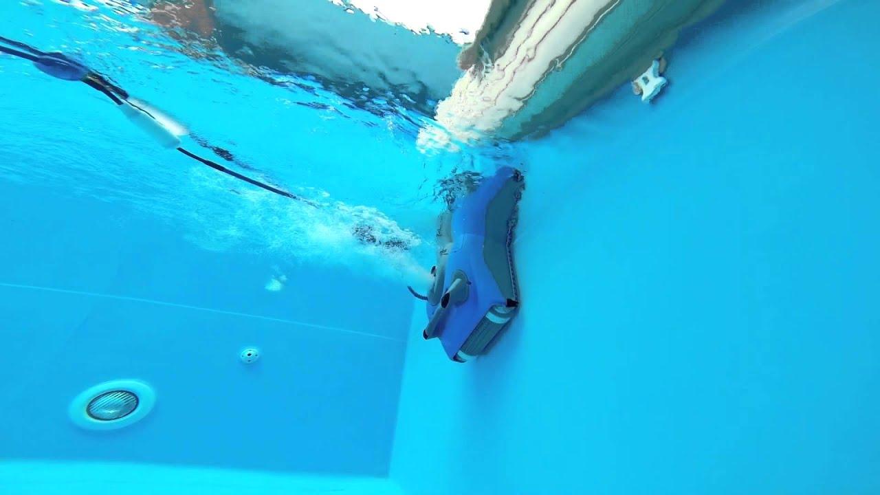 Robot piscine baracuda for Aspirateur piscine zodiac baracuda